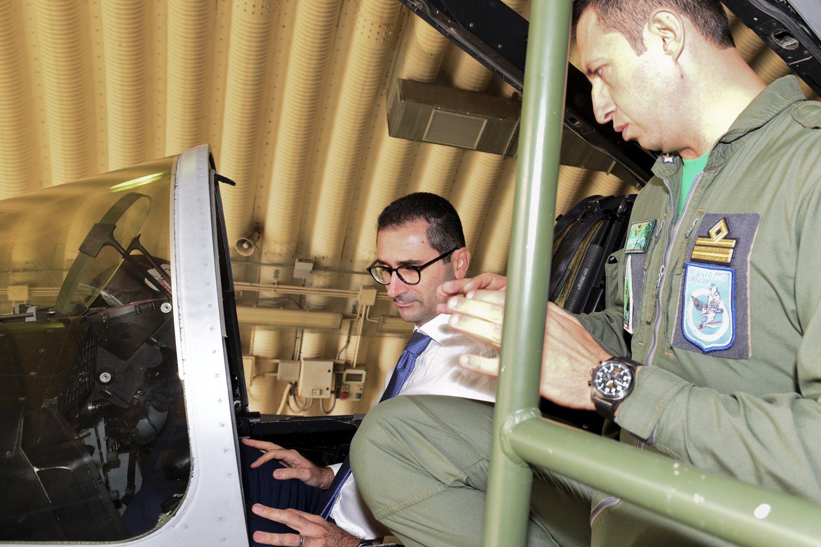 visita al 36esimo Stormo Caccia dell'Aeronautica Militare